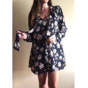 Sienna Sky navy blue floral shift dress